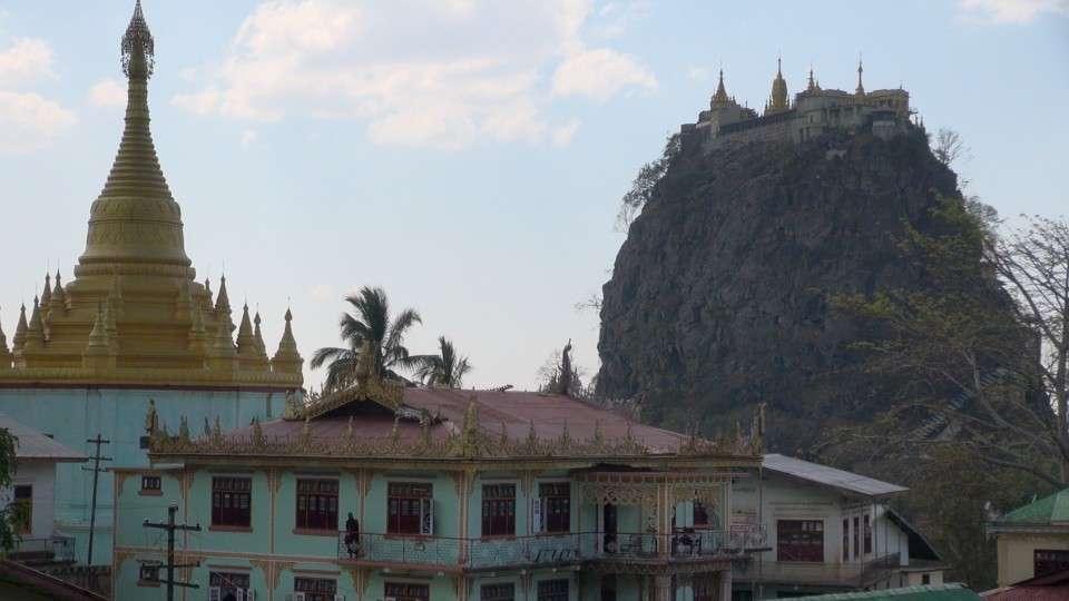 Myanmar - Mount Popa 5