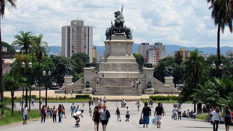 800px-Monumento_à_Independência