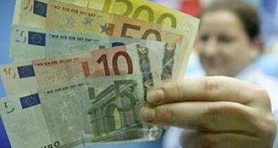 SHUNNING THE EURO ZONE