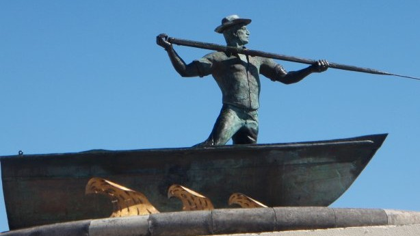 azores-whaling-monument