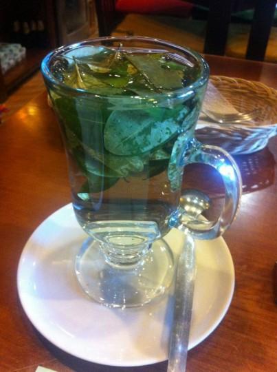 Legal Coca tea helps relieve altitude sickness